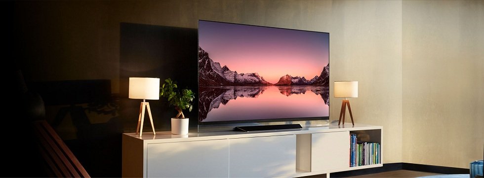 LG C8 OLED TV! The Colorful Addition to Your Home