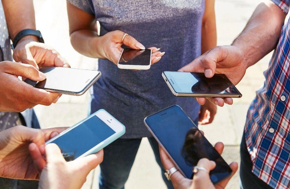 Privacy Unsafe! Social media sites to predict human behavior