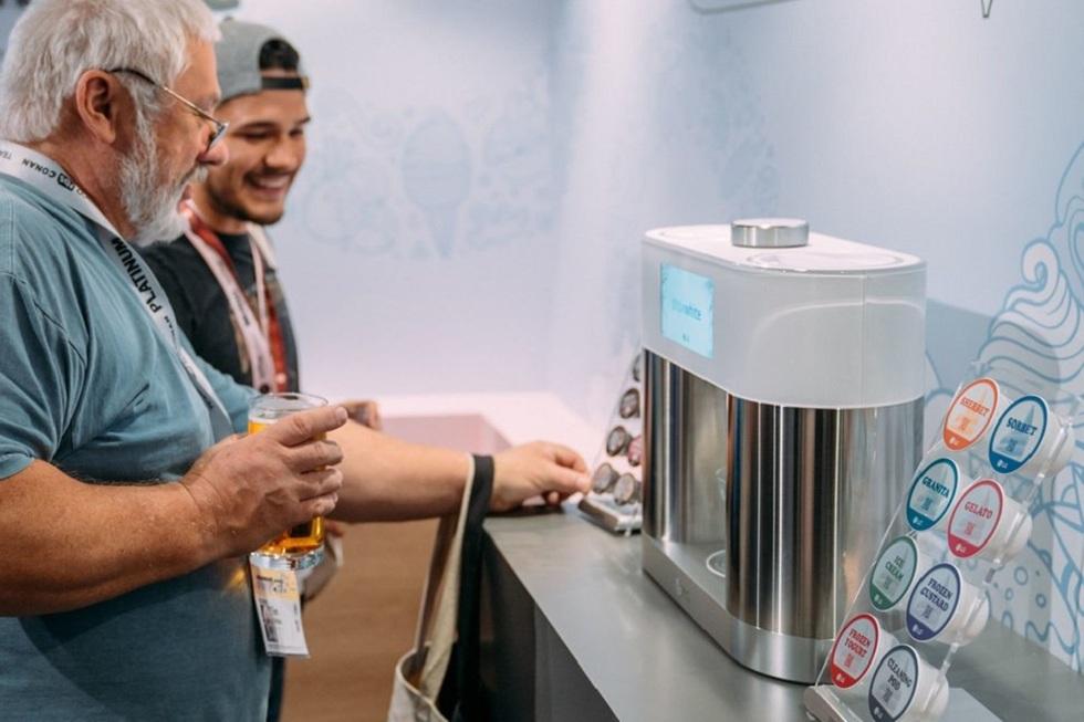 LG's SnowWhite! Make Coolest Ice cream at Home