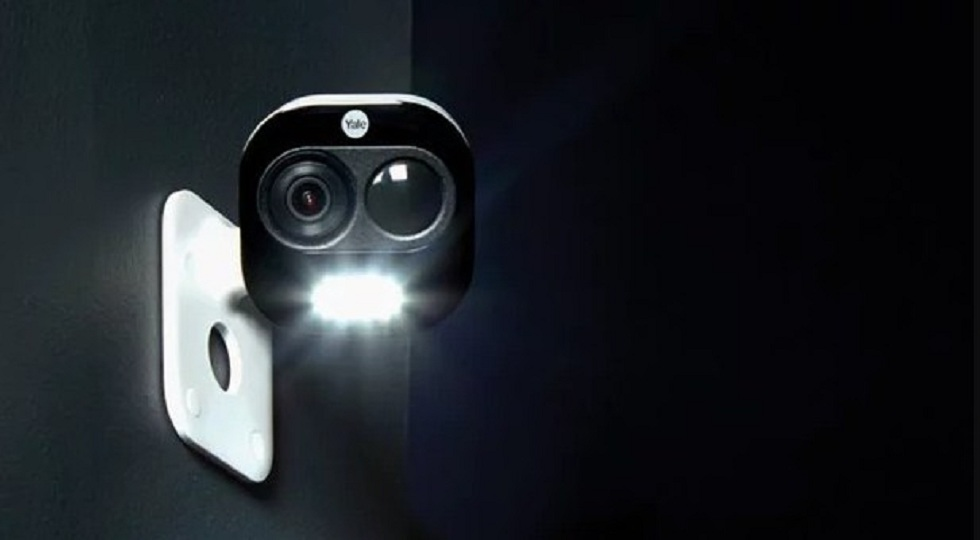 Yale's voice-controlled security camera! The Guard