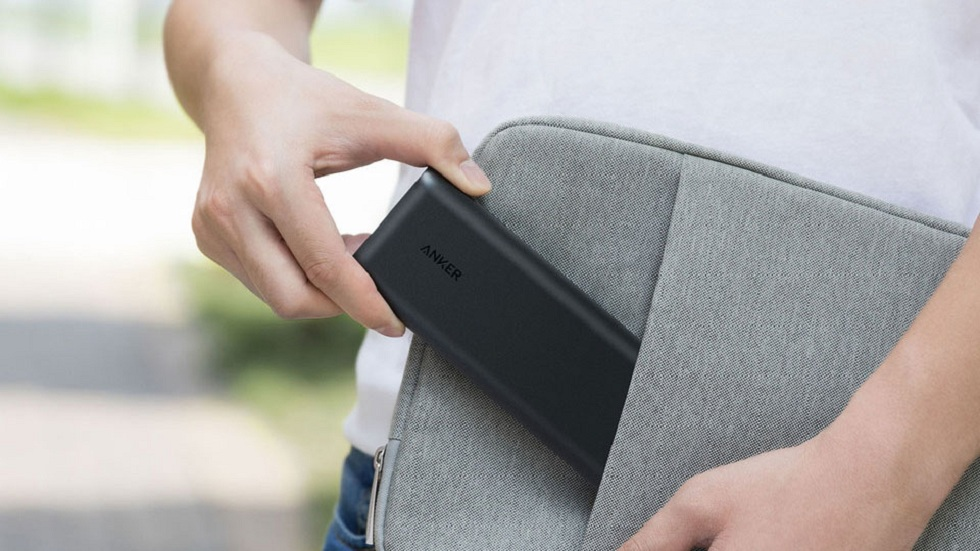 The handy and pocket sized battery banks and packs for iPhone
