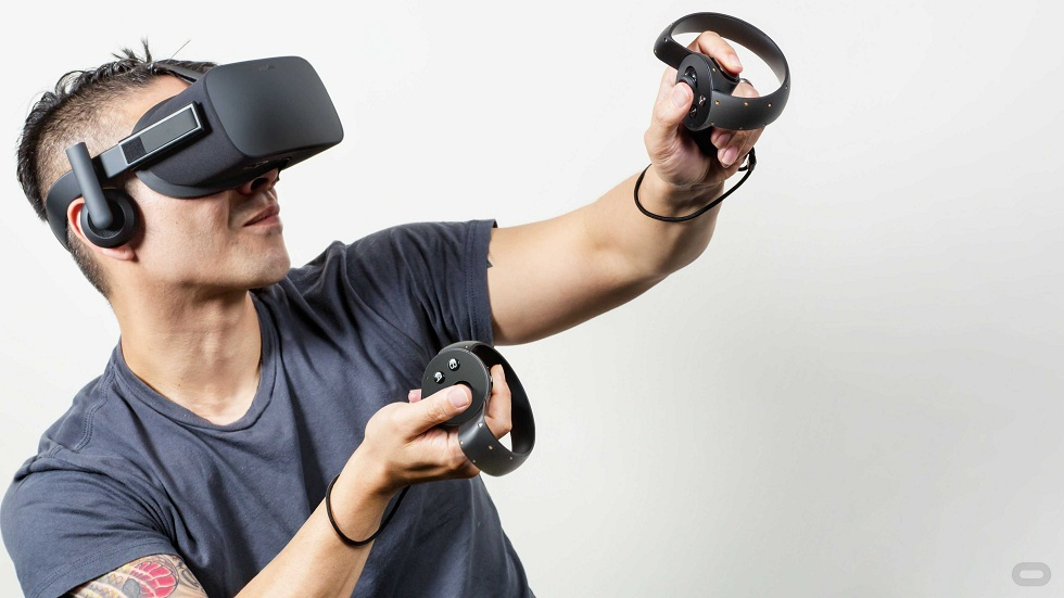HTC Vive Cosmos!The New VR Handset