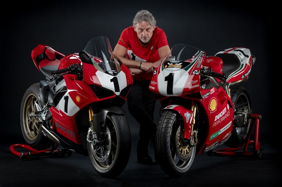25th Anniversary 916 Tribute Bike! Ducati Panigale V4