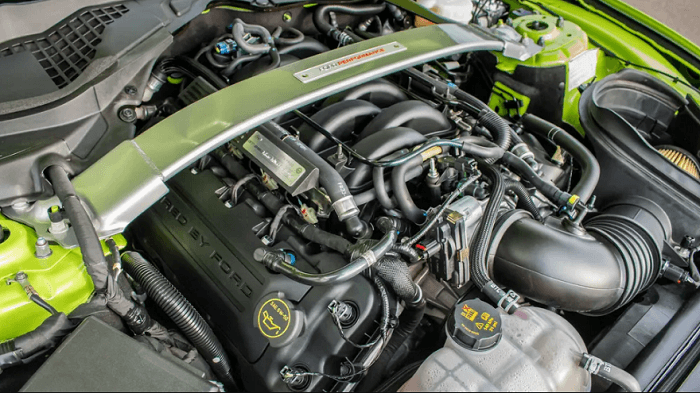 Ford Mustang Shelby GT350R engine