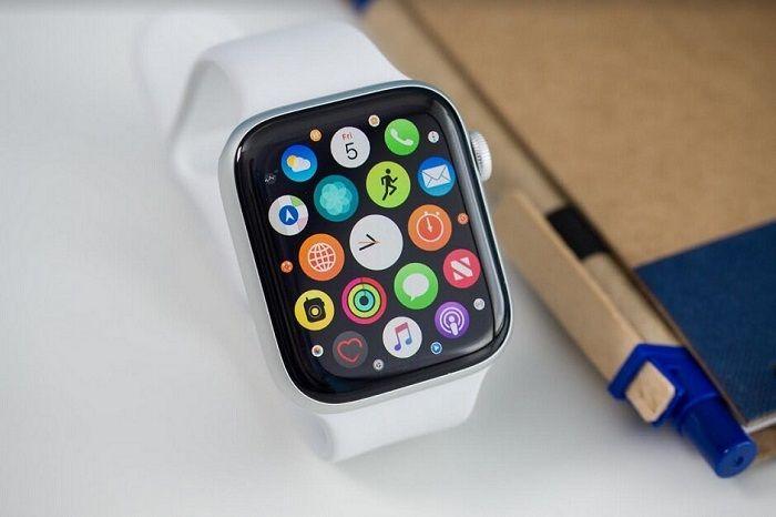 Apple Watch Series 5 - Best Smartwatches to Buy