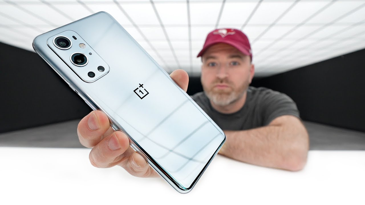 OnePlus 9 and OnePlus 9 Pro Unboxing